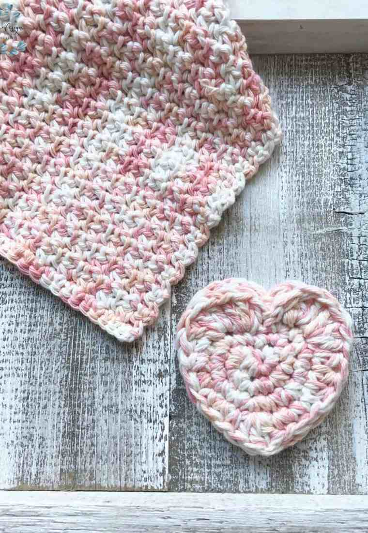 Heart Pocket Scrubby a Free Crochet Pattern