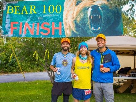 chris-tarzan-clemens-the-bear-100-tyler-clemens-kerry-finish-line