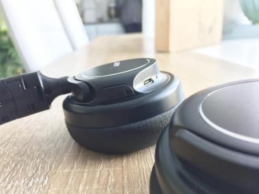 image test du casque bluetooth et pliable d'aukey avec microphone intégré 7