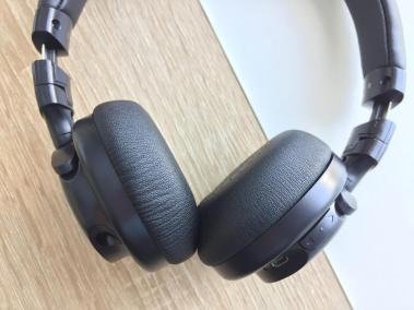 image test du casque bluetooth et pliable d'aukey avec microphone intégré 9