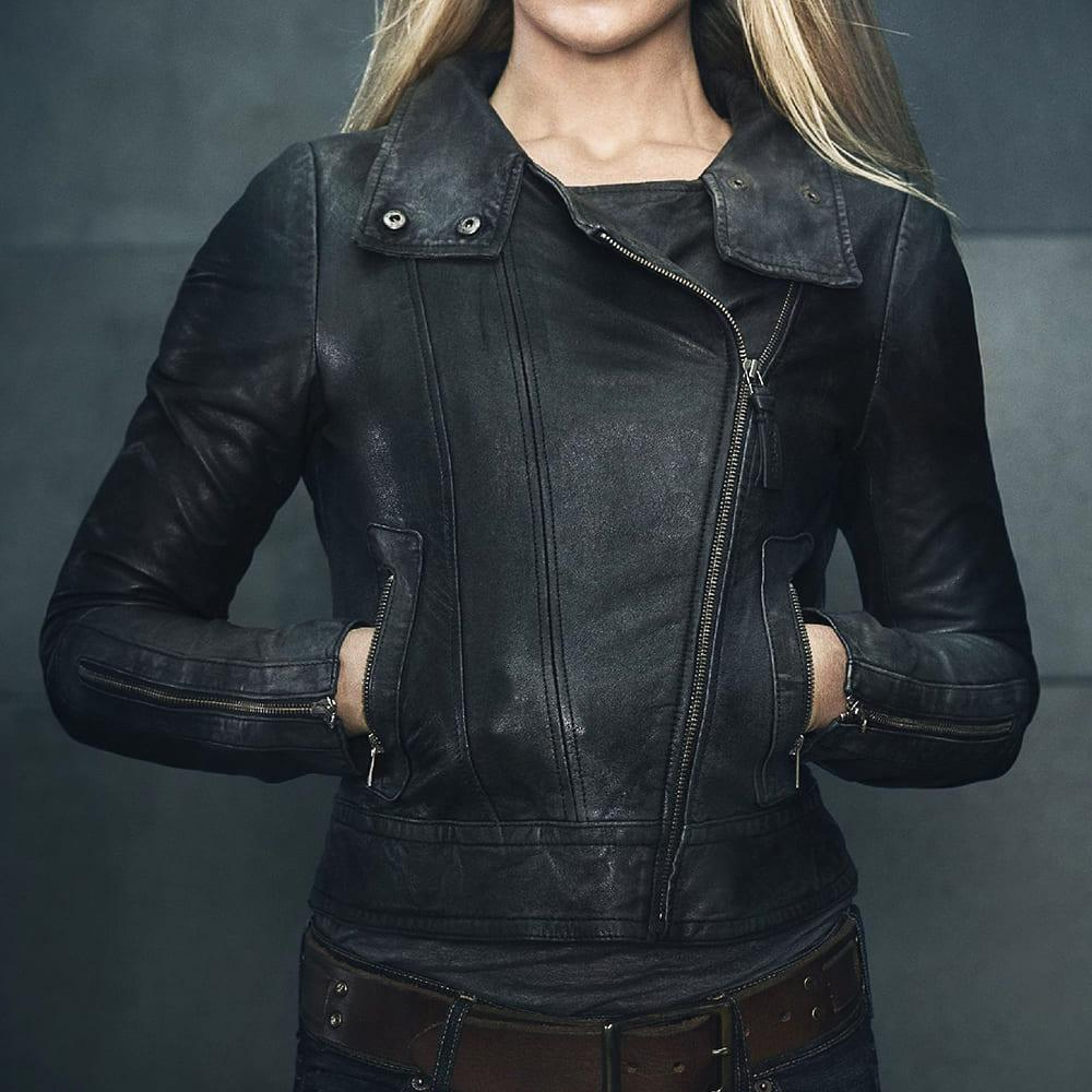 image Look de Olivia Dunham dans la série Fringe 4