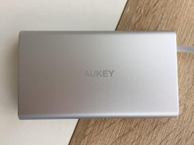 image test du hub CB-C55 adaptateur USB type C multi-port 8 en 1 de Aukey 6