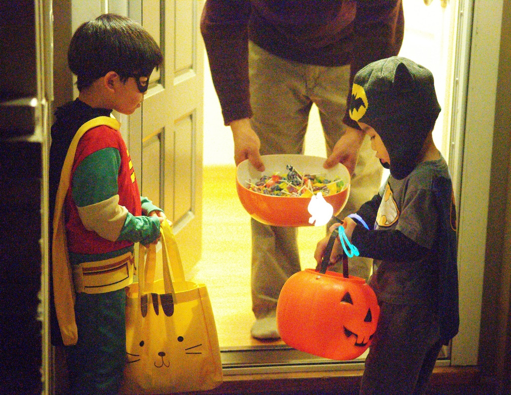 Tips for child safety on Halloween