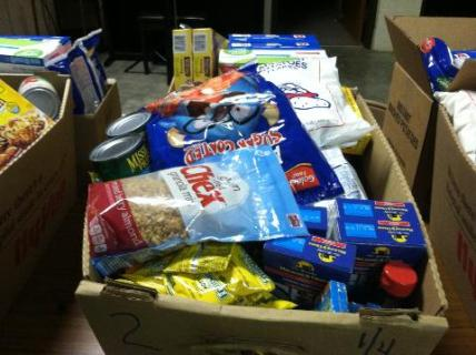 pic-2-of-christmas-2016-food-boxes