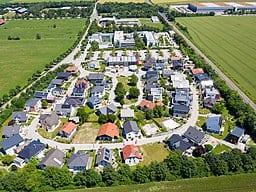Ausstellung Eigenheim und Garten, CC BY-SA 4.0 , via Wikimedia Commons