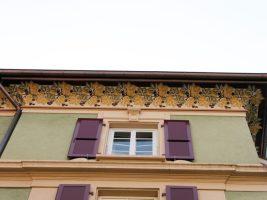 Avant-toit style art déco