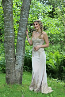 Amelie and her beautiful prom dress