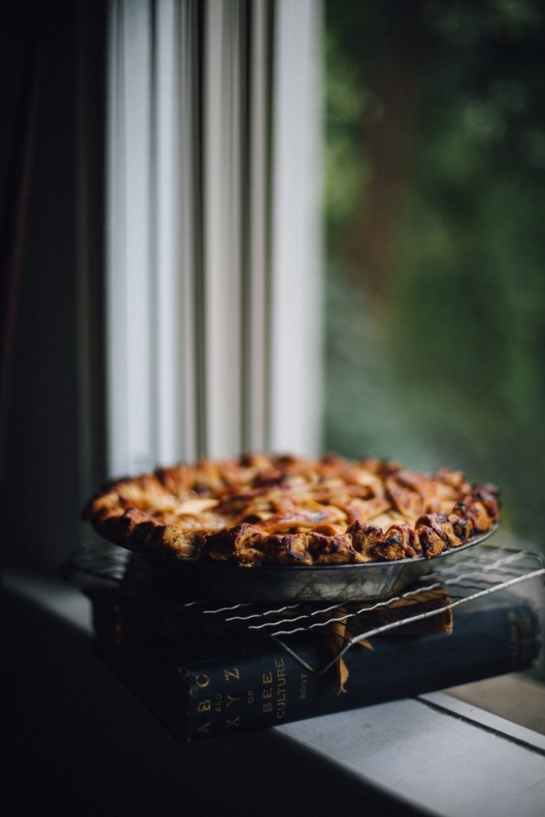apple-bourbon-pie-photography-recipe-and-styling-by-christiann-koepke-of-christiannkoepke-com-11