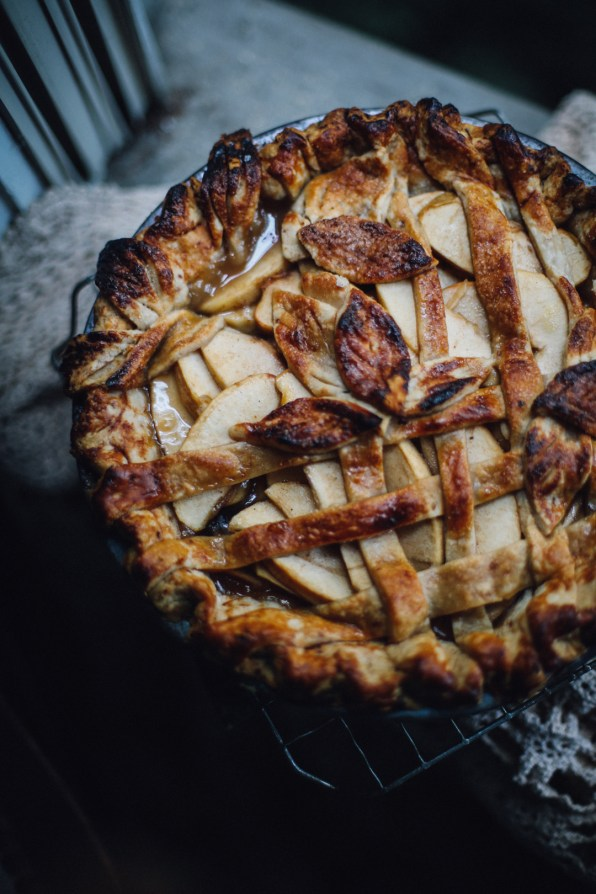 apple-bourbon-pie-photography-recipe-and-styling-by-christiann-koepke-of-christiannkoepke-com-12