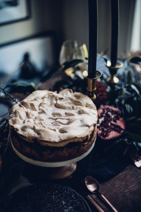 winter-nordic-cake-with-a-rhubarb-black-current-rose-jam-photography-styling-by-christiannkoepke-com-8
