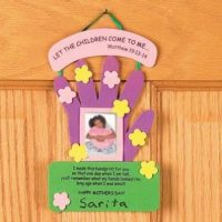 DIY Mothers Day Religious handprint sign crafts
