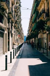 Magnificient Barcelona - Eine Gasse zum Meer
