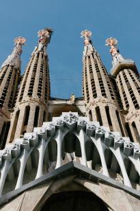Der Eintritt war mir zu teuer und gotische Bauwerke sind mehr mein Thema. Daher gibt es die Sagrada Familia hier nur von außen.