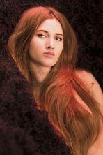 Deutschland, Bayern, München, Studio, Portrait einer jungen Frau