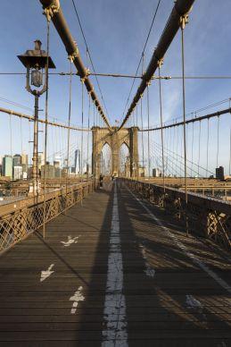 USA, Amerika, Vereinigte Staaten, New York, Brooklyn Bridge am Morgen