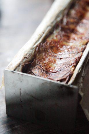 Pommes-Anna---sprøde-kartoffler-i-lag-med-timian-og-smeltet-smør-2