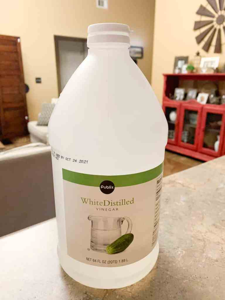 Vinegar and Water Cleaning Solution