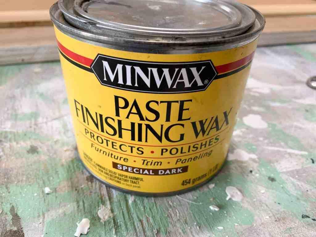 Can of Minwax Special Dark Wax