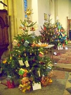 http://commons.wikimedia.org/wiki/File%3AChristmas_Tree_Festival%2C_St_John_the_Evangelist_Church_-_geograph.org.uk_-_1622424.jpg