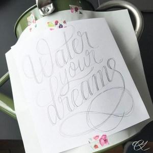 Overførsel af tekst til vandkande med grafitpapir