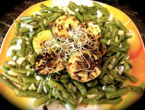 gebratene Zucchini mit Fisolensalat