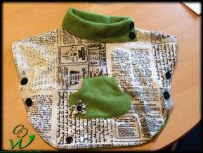 grüner-Poncho
