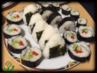 Onigiri mit Umeboshi und Avocado/Gurke-Füllung