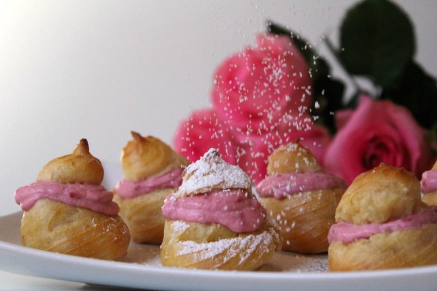 Brandteigkrapfen mit Himbeercreme Dessert Valentinstag