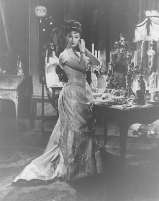 Vivien Leigh as Anna