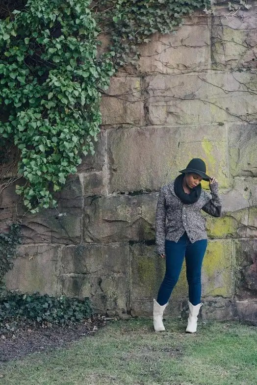 Antdray-christinealamode-rutgers-new-brunswick-big-stone-wall-vines-outdoor-photoshoot-bcbg-boots-black0scarf-hat-cowboy-pose-fall-winter-fashion-1