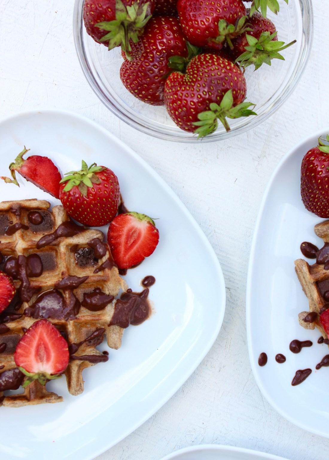 Nemme bananvafler med chokoladesauce - vegansk + glutenfri2