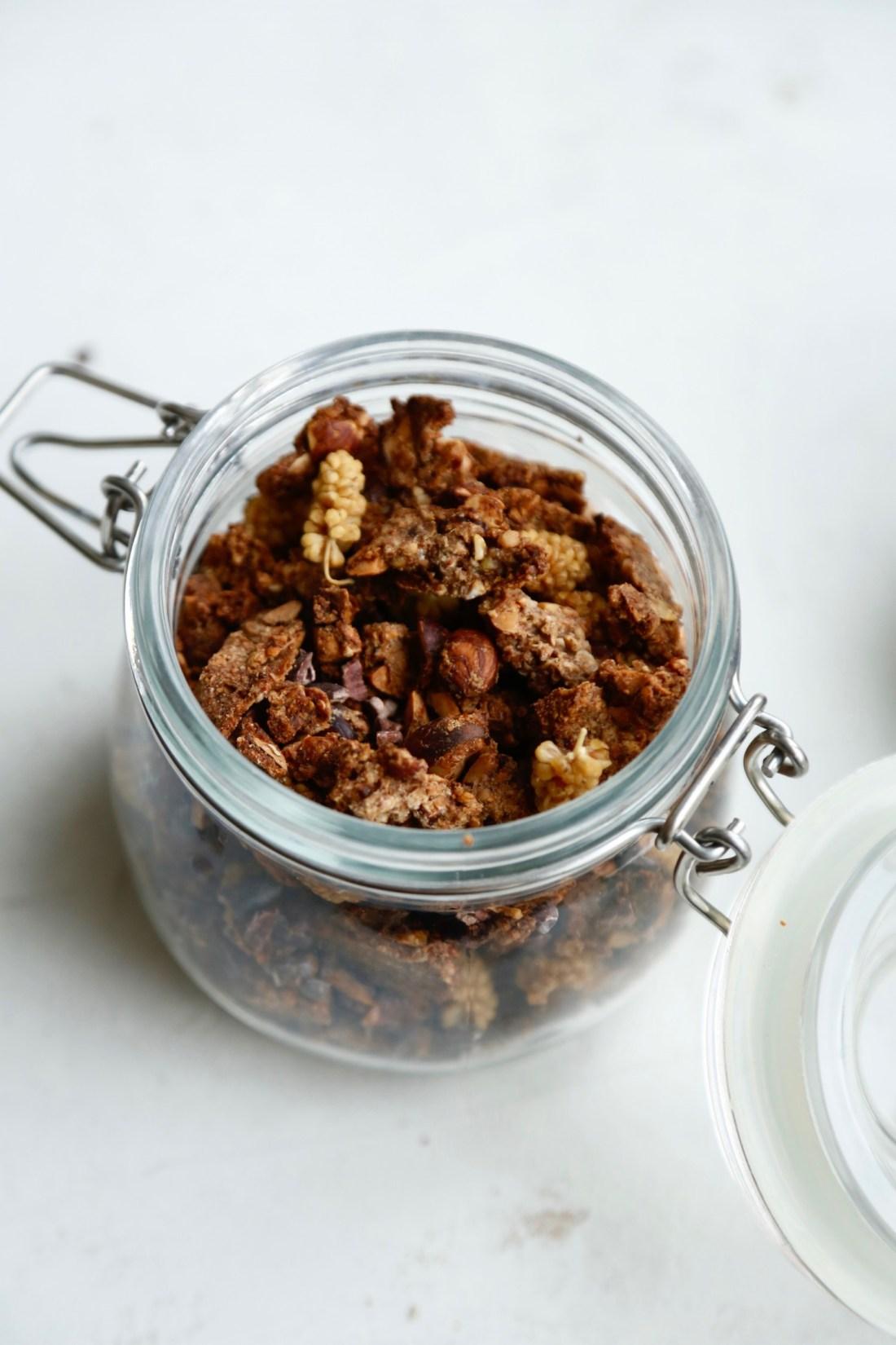knasende-sproed-banangranola-glutenfri-opskrift-1-1