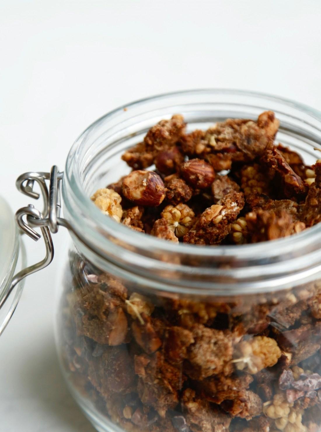 knasende-sproed-banangranola-glutenfri-opskrift-1