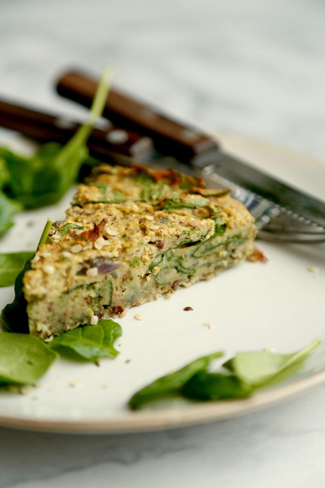 vegansk-taerte-med-blomkaal-og-spinat-glutenfri-4
