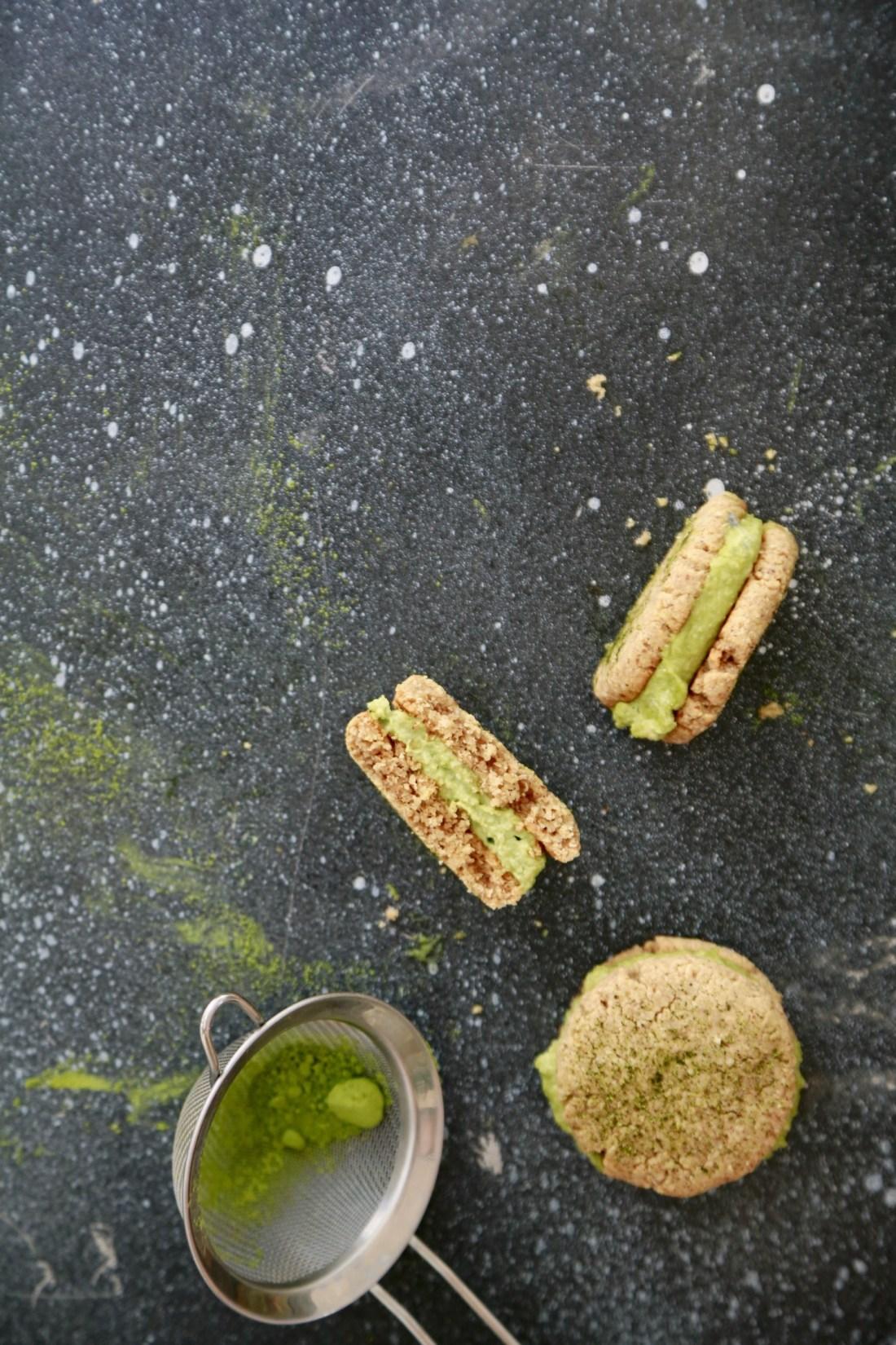cookie-sandwich-cookies-med-matchafyld-vegansk-glutenfri-2