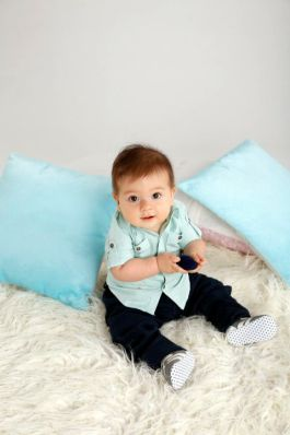 09.Make his first party extra fun with comfy clothes