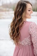I am in love with photography, so I just had to get my amazing friend to take these Winter Maternity shoot photos! Check out inspiration for yours here!