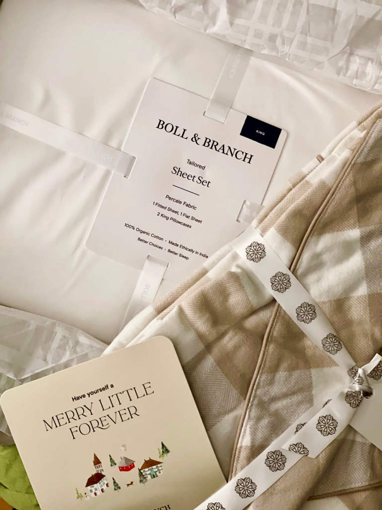 #CKdesignninja Christine Kohut Interiors, flannel sheets, thread count, warp and weft, soft sheets, hotel bed, boll and branch, duvet, pillows, sheets, king size bed, mattress, organic, fair trade, buffalo check, percale, bedroom, interior design, bedding, flannel robe, gift ideas