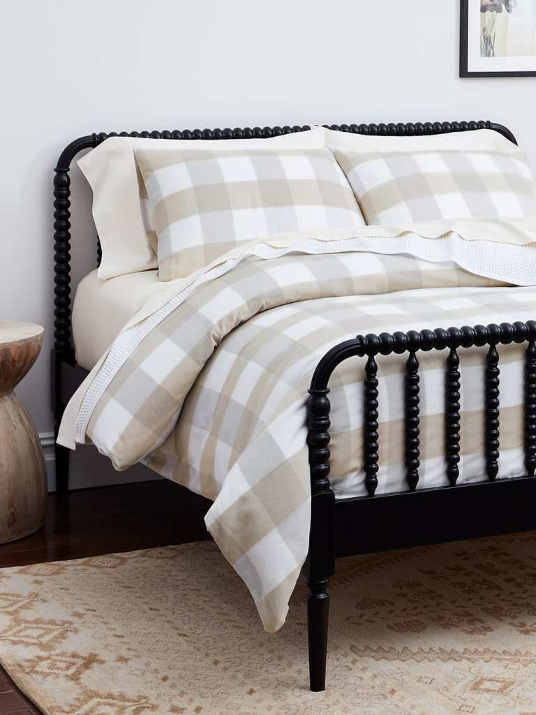 #CKdesignninja Christine Kohut Interiors, flannel sheets, thread count, warp and weft, soft sheets, hotel bed, boll and branch, duvet, pillows, sheets, king size bed, mattress, organic, fair trade, buffalo check, percale, bedroom, interior design, bedding