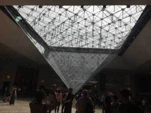 Entrance Le Louvre - pyramid by IM Pei