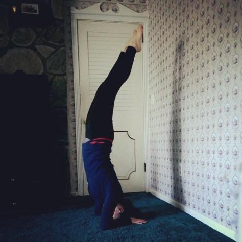 Headstand, Baddha Hasta Sirasana A