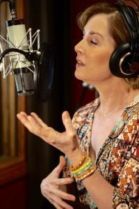 Singer songwriter Christine Rosander Recording Studio