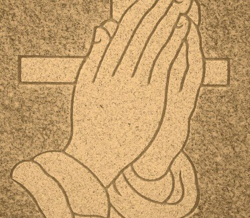 Des mains qui prient