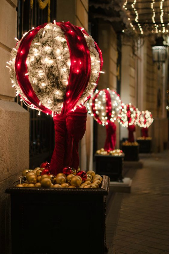 Top Outdoor Christmas Decorations - Christmas Celebration ... on Patio Decorating Ideas With Lights  id=75286
