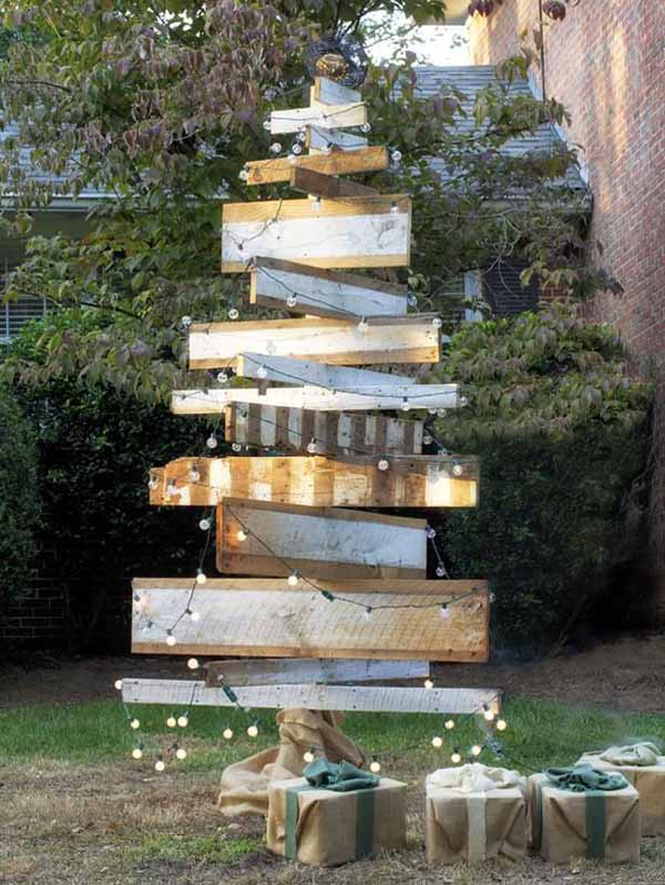 Top Outdoor Christmas Decorations Ideas - Christmas ... on Patio Decorating Ideas With Lights  id=75095