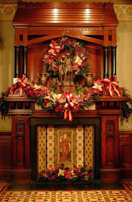 Top 40 Victorian Christmas Decorations To get You Started     Victorian Christmas Mantle  This is truly a magnificent mantel decoration