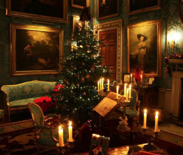 This Victorian Christmas Living Room Is Quite Breathtaking The Beautiful Christmas Tree And The Candles In Their Holders Create That Warm And Cozy Ambiance