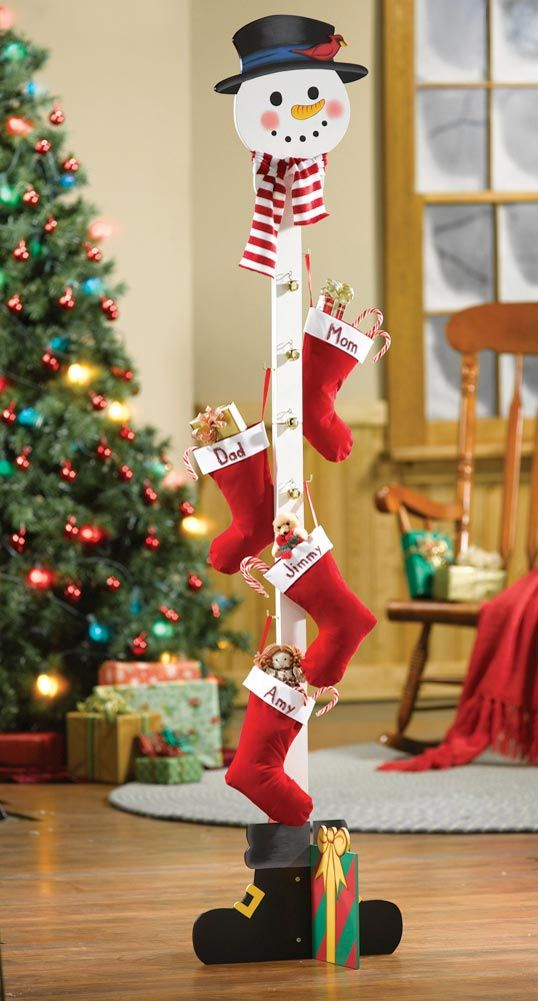 26 Extraordinary Stand Up Christmas Decoration Ideas