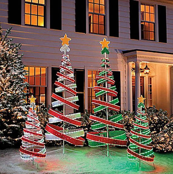 30+ Breathtaking Christmas Yard Decorating Ideas and ... on Lawn Decorating Ideas id=44106