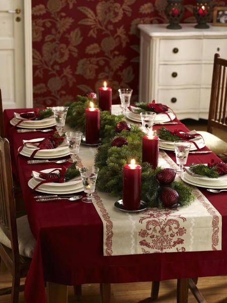 Christmas dining table setting. Love the rich colors